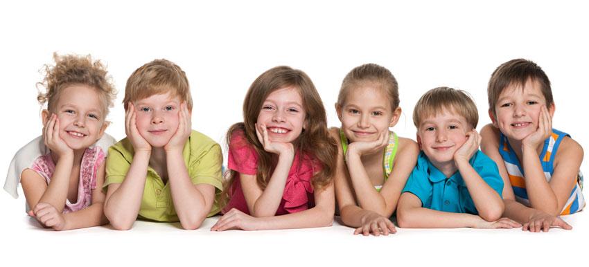 niños esperando a sus clases particulares